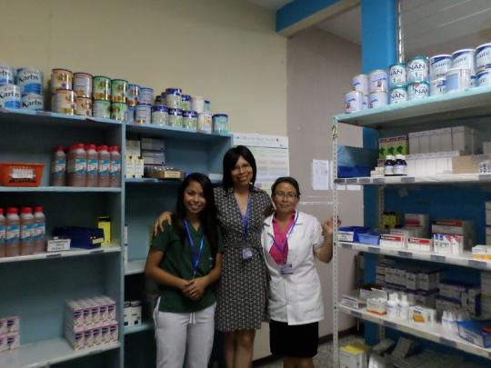 El personal de Farmacia vela por brindar un servicio de calidad