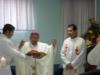 Moseñor Oscar Julio Vian Morales, Arzobispo Metropolitano y el Padre Aarón Tello, Delegado Arzobispal, durante la celbración de la Eucarístia