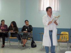 Dr. Miguel Ángel Borrayo, compartiendo mensaje sobre la Humildad