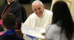 Papa Francisco a los niños, el amor de Dios nunca nos deja